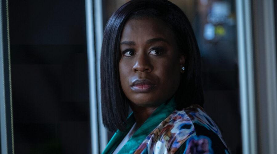 Uzo Aduba (dottoressa Brooke Taylor) in una scena di
