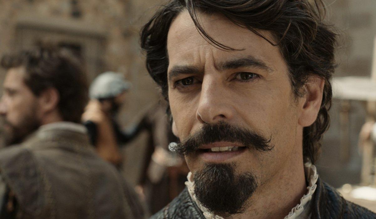 Eduardo Noriega (Pedro De Valdivia) in una scena de