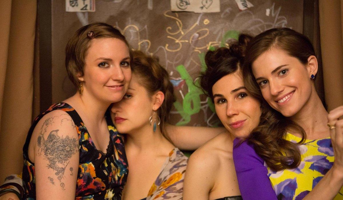 "Lena Dunham (Hannah Horvath), Jemina Kirke (Jessa Johansson), Zosia Mamet (Shoshanna Shapiro) e Allison Williams (Marnie Michaels) in una scena di ""Girls"". Credits: Sky Italia"