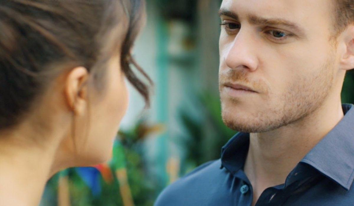 Love Is In The Air, episodio 25: Eda Yıldız interpretata da Hande Erçel e Serkan Bolat interpretato da Kerem Bürsin. Credits: Mediaset