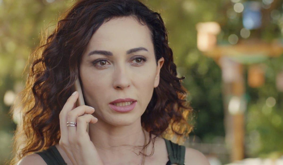 Love Is In The Air, episodio 33: Ayfer Yıldız interpretata da Evrim Doğan. Credits: Mediaset