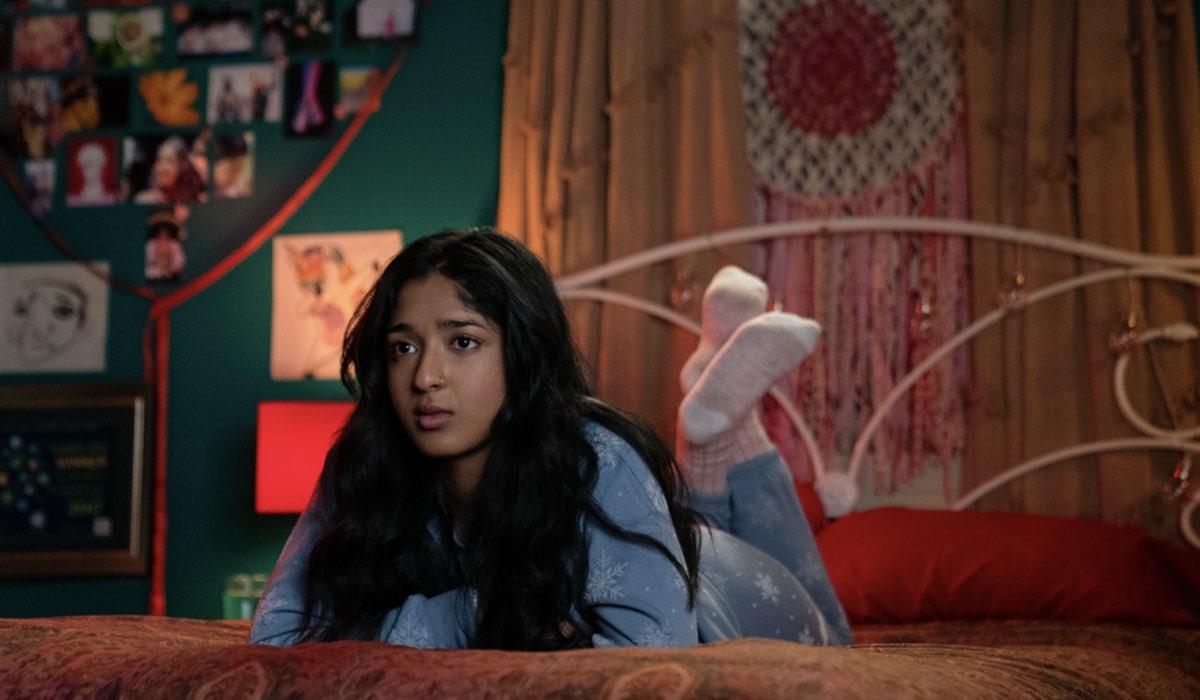"""Maitreyi Ramakrishnan in una scena della seconda stagione di """"Non Ho Mai..."""". Credits: Isabella B. Vosmikova/Netflix © 2021."""
