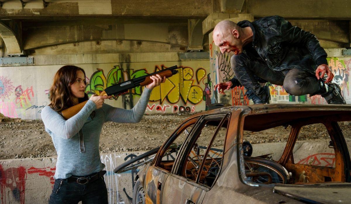 Van Helsing: Vanessa (Kelly Overton) e Scab (Rowland Pidlubny). Credits: Netflix.