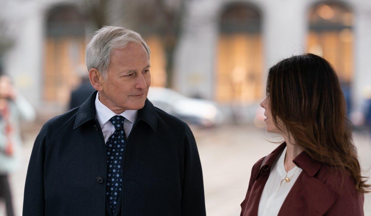 Victor Garber (Harry Svensson) e Jewel Staite (Abigail Bianchi) In Avvocati Di Famiglia. Credits: Sky Italia