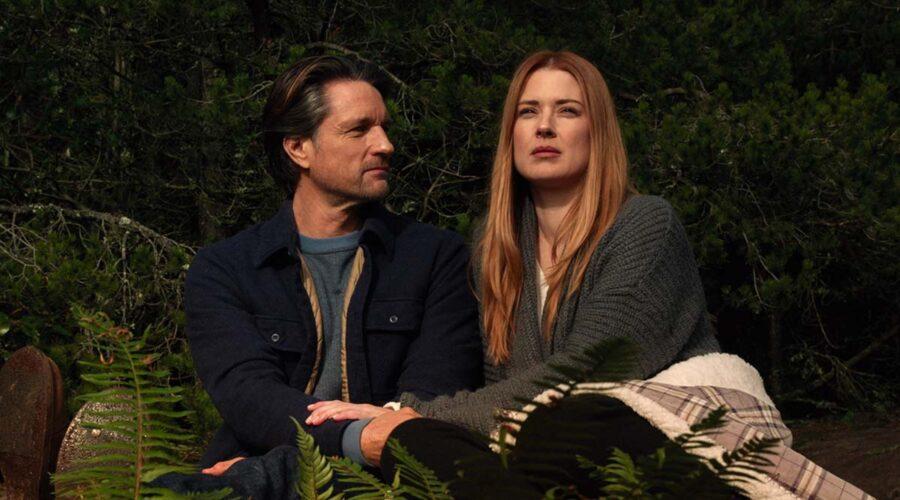 Jack Sheridan (Martin Henderson) e Mel Monroe (Alexandra Breckenridge) nella terza stagione di Virgin River. Credits: Netflix.