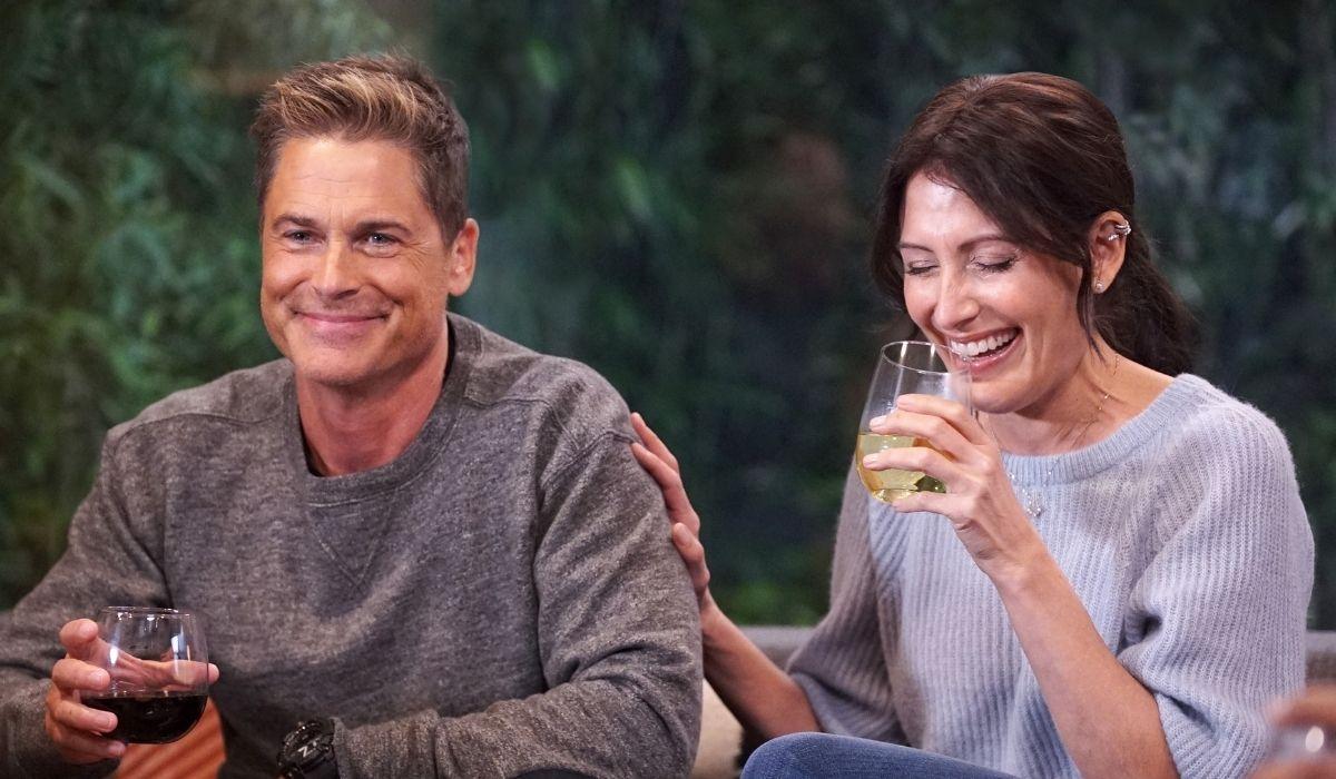 9-1-1: Lone Star: il capitano Owen Strand (Rob Lowe) e Michelle Blake (Liv Tyler) in una scena della seconda stagione. Credits: Disney+