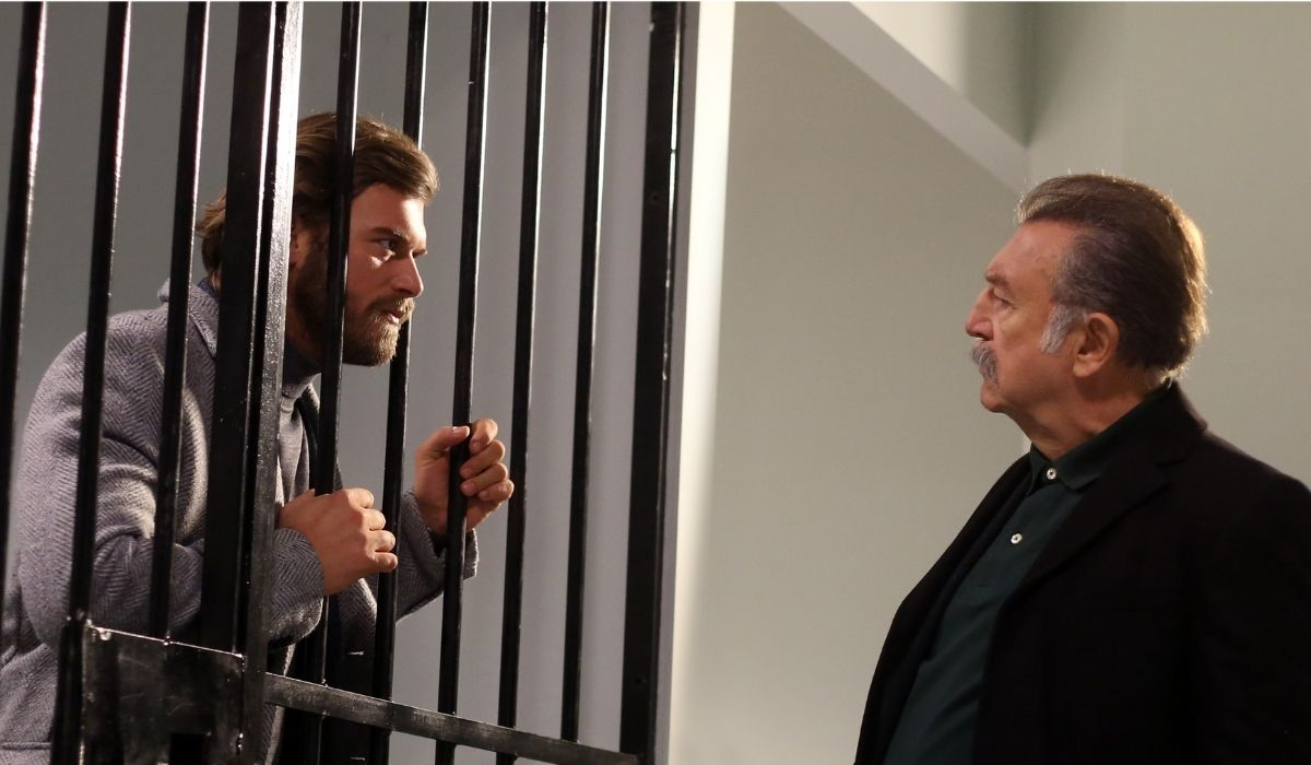 Brave and Beautiful: Cesur (Kıvanç Tatlıtuğ) e Tahsin (Tamer Levent) sono alla resa dei conti. Credits: Mediaset