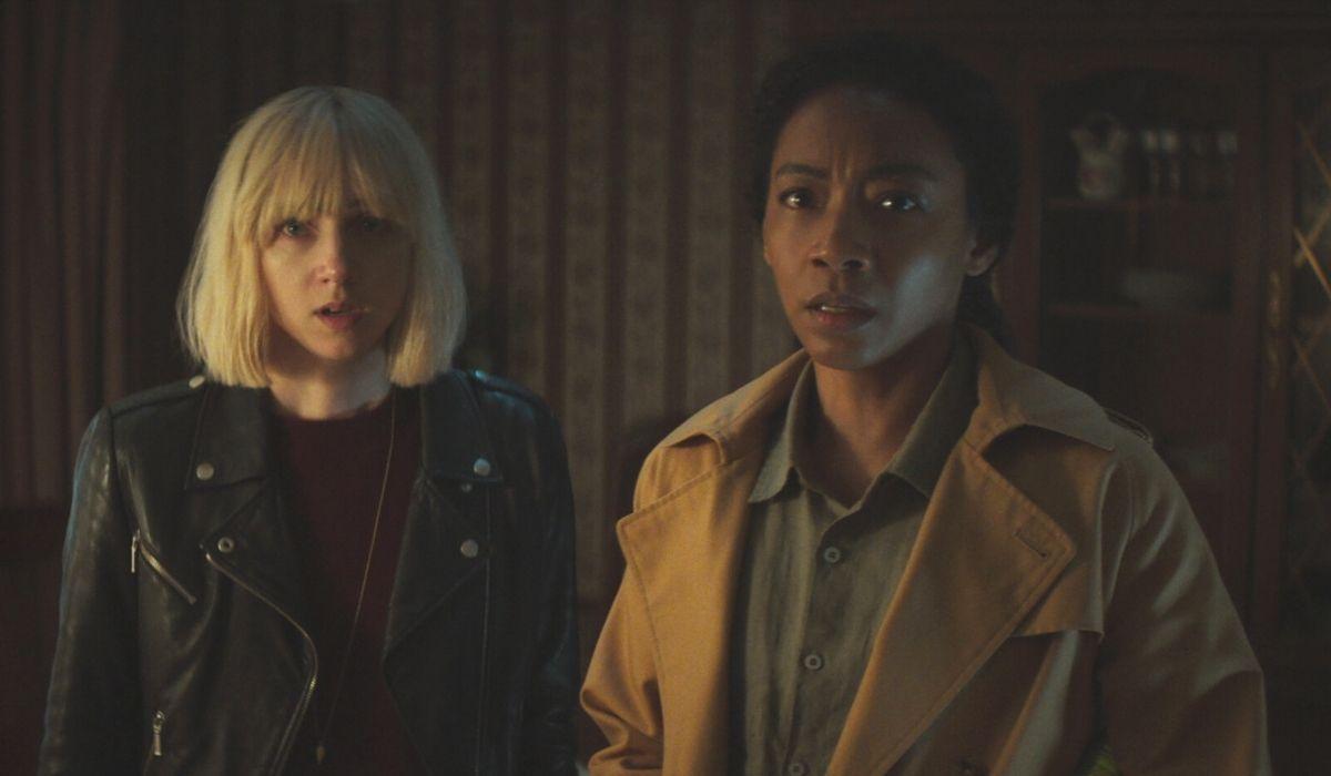 Clickbait: Pia Brewer (Zoe Kazan) e Sophie Brewer (Betty Gabriel). Credits: Netflix.