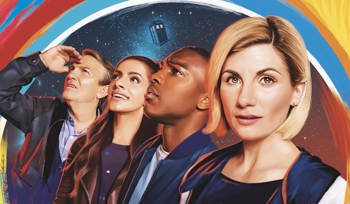 """Da sinistra: Bradley Walsh (Graham), Mandip Gill (Yasmin), Tosin Cole (Ryan) e Jodie Whittaker (Dottore) in un'illustrazione di """"Doctor Who"""". Credits: Rai 4."""