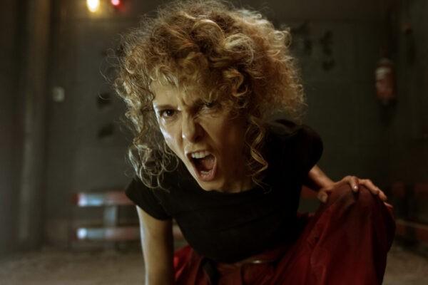 Esther Acebo (Stoccolma) in una scena dell'episodio 2 de