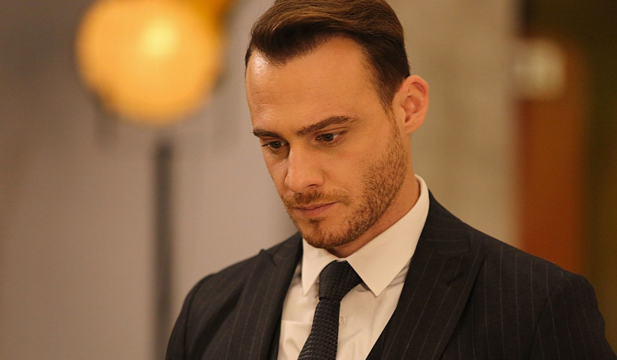 Kerem Bursin Interpreta Serkan In Una Scena Di Love Is In The Air Credits: Mediaset