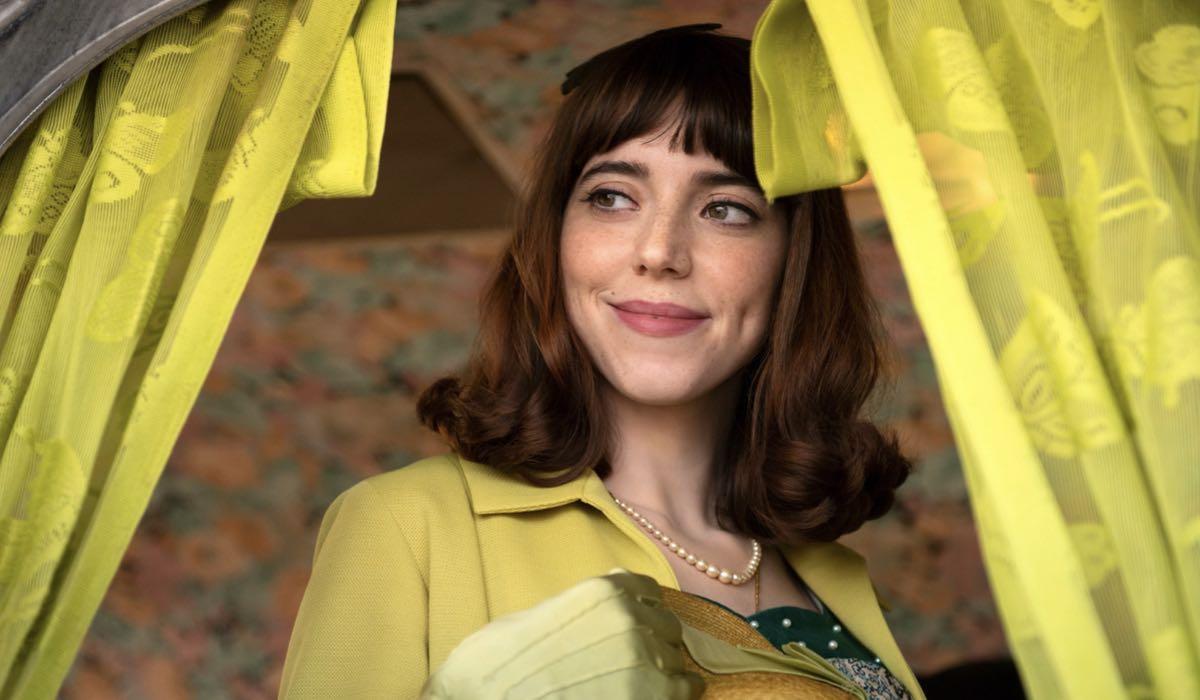 Lia Grieco (Rosa) In Luna Park. Credits: Netflix