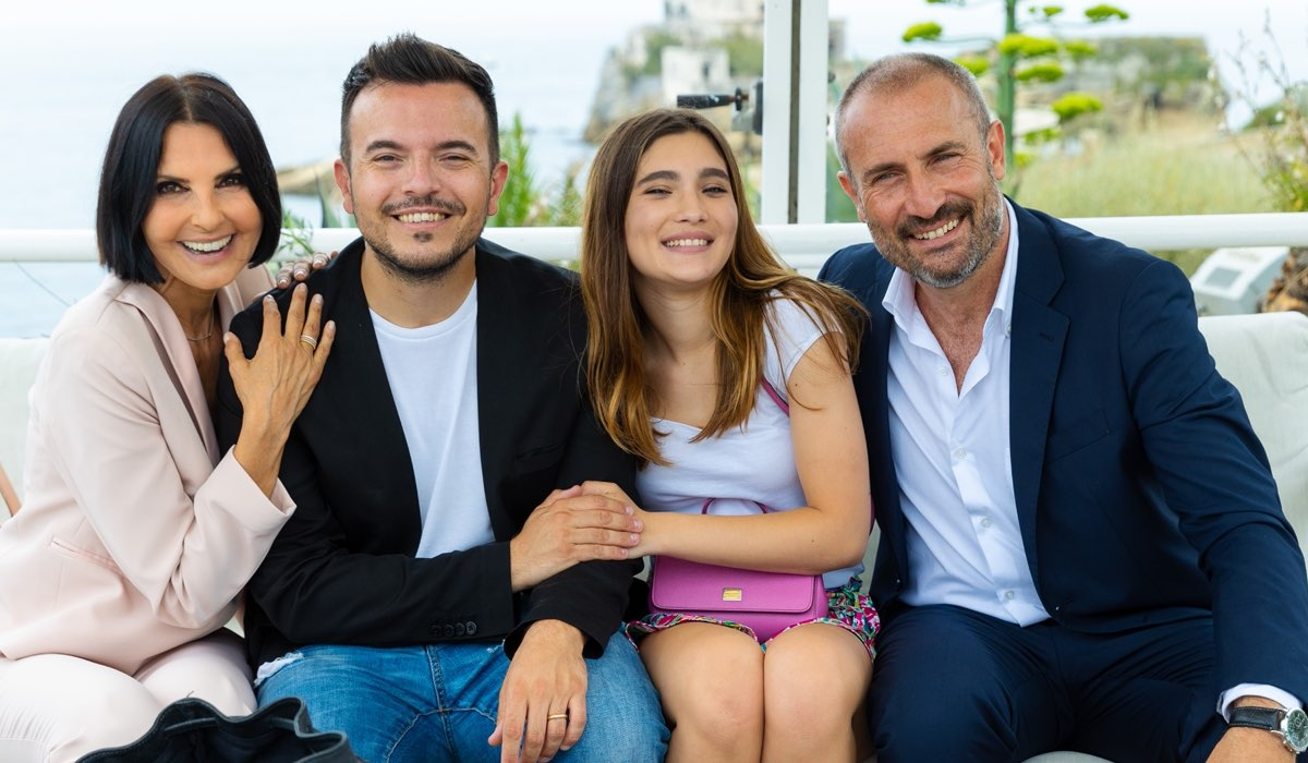 Nina Soldano, Andrea Sannino, Fabiola Balestriere e Giorgio Borghetti In Un Posto Al Sole. Credits: Rai
