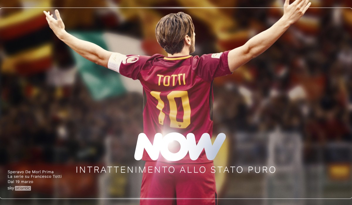 """""""Speravo De Morì Prima - La serie su Francesco Totti"""" è tra i titoli disponibili in streaming su NOW. Credits: Sky Italia/NOW"""
