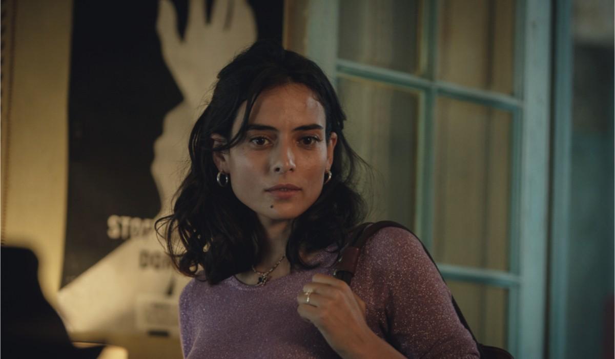 """Nailia Harzoune in una scena di """"Svaniti Nel Nulla"""". Credits: Magali Bragard/Netflix."""