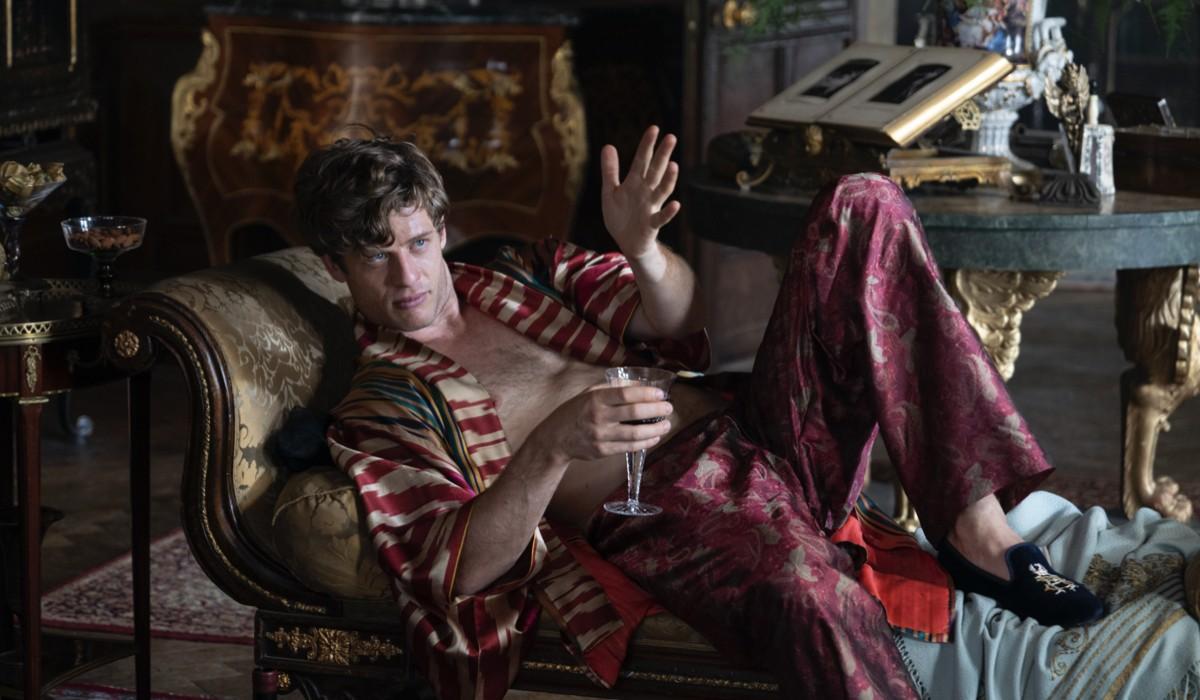 """James Norton nei panni di Hugo Swann in una scena di """"The Nevers"""". Credits: Sky Italia."""