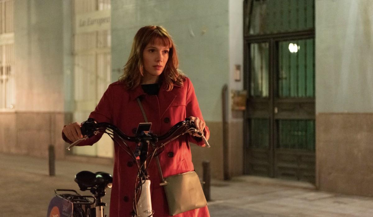 """Diana Gómez in una scena della seconda stagione di """"Valeria"""". Credits: Felipe Hernández/Netflix."""