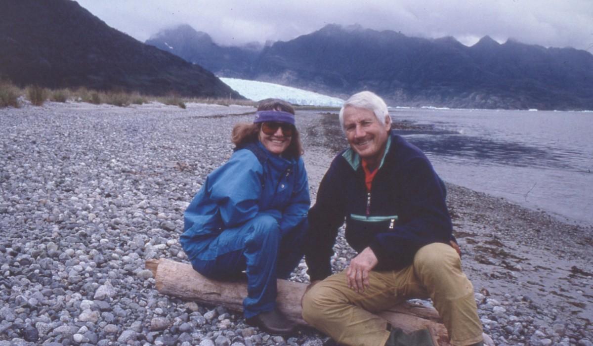 Walter Bonatti e Rossana Podestà. Fiordo San Raffaele, Patagonia,1989. Credits: Archivio Walter Bonatti, Museo Nazionale della Montagna - CAI Torino