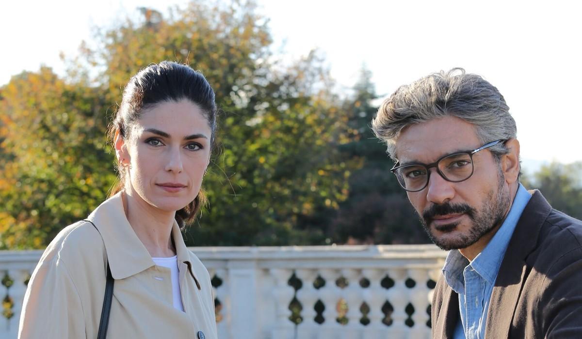Anna Valle e Giuseppe Zeno In Luce Dei Tuoi Occhi Credits: Pierfrancesco Bruni Per Banijay Studios Italy/Mediaset