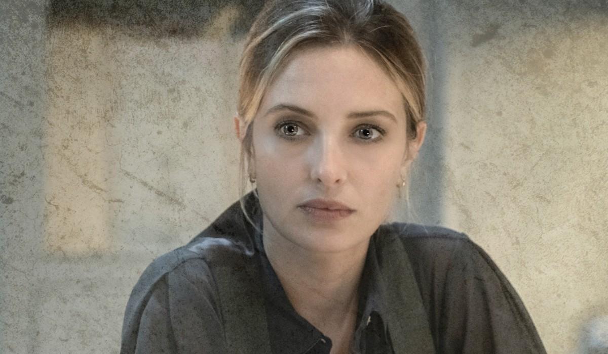 Carolina Crecentini (Laura Piras) In Un Posato Per