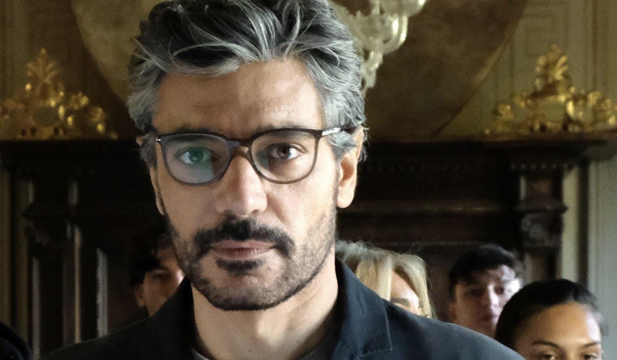 Giuseppe Zeno Interpreta Enrico In