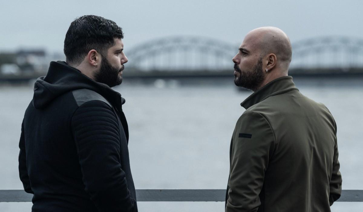 """Da sinistra: Salvatore Esposito e Marco D'Amore in una scena della quinta stagione di """"Gomorra"""". Credits: Marco Ghidelli/Sky."""