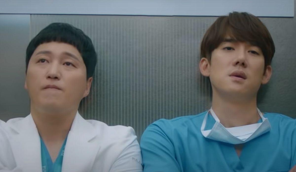 Hospital Playlist 2: Yang Seok Hyung (Dae-Myung Kim) e Ahn Jeon Won (Yoo Yeon-Seok). Credits: Netflix