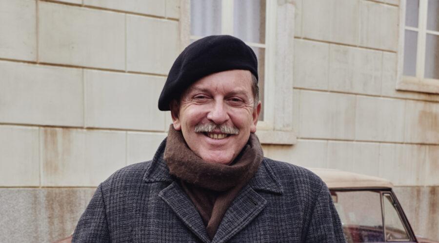 Pietro Genuardi (Armando Ferraris) qui in un posato per