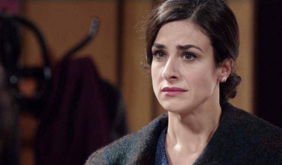 Lara Komar (Gloria Moreau) in una scena della puntata 115 de