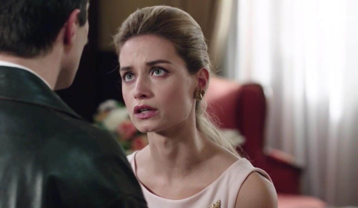 Giulia Arena (Ludovica Brancia di Montalto) in una scena dell'episodio 158 de