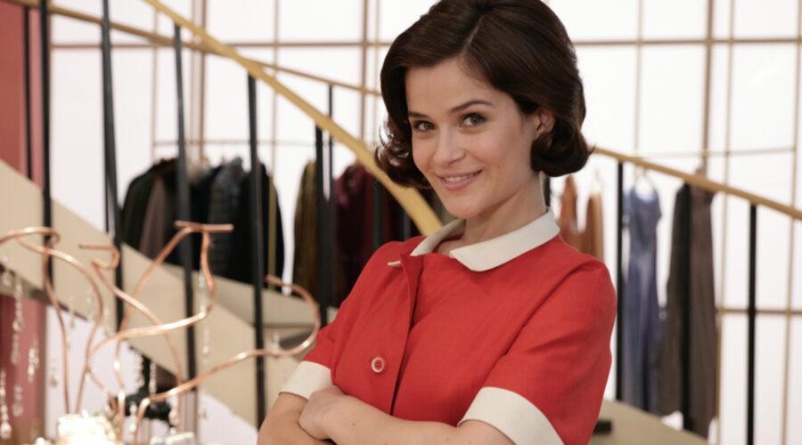 Ilaria Rossi (Gabriella Rossi) in un posato per