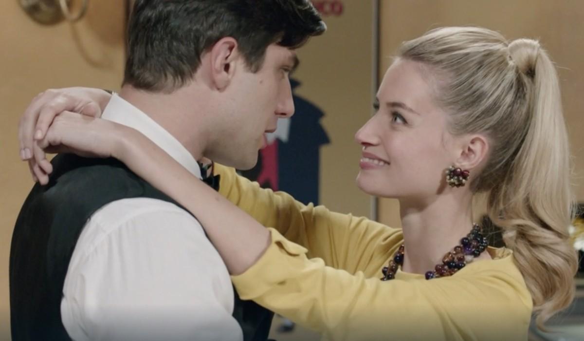 Pietro Masotti (Marcello Barbieri) e Giulia Arena (Ludovica Brancia di Montalto) in una scena della puntata 1 de