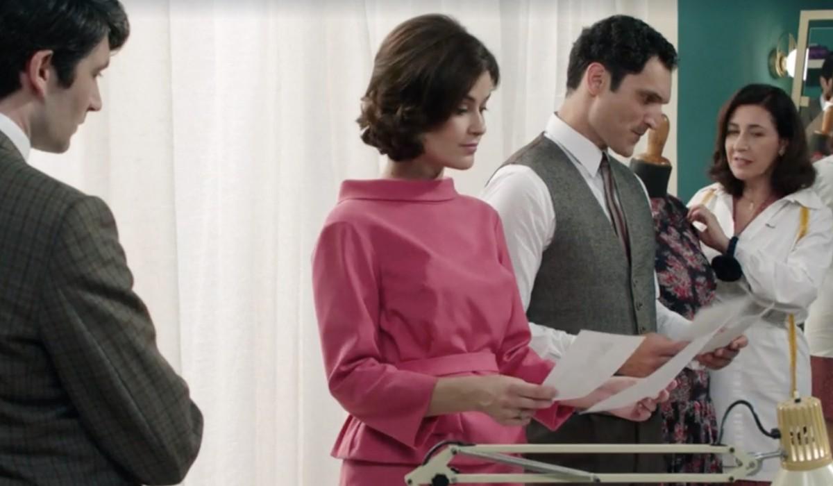 Il Paradiso delle Signore 6: Roberto, Gabriella, Vittorio e Agnese in una scena della puntata 2. Credits: Rai
