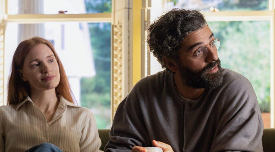Jessica Chastain (Mira) e Oscar Isaac (Jonathan) in una scena di