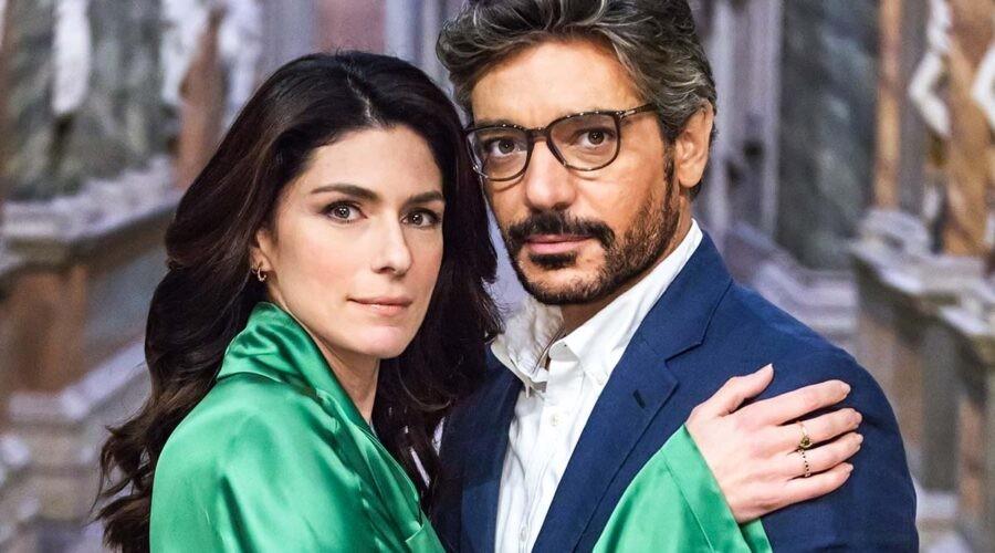 Anna Valle e Giuseppe Zeno in una scena della serie TV Luce dei tuoi occhi. Credits: Pierfrancesco Bruni per Banijay Studios Italy.
