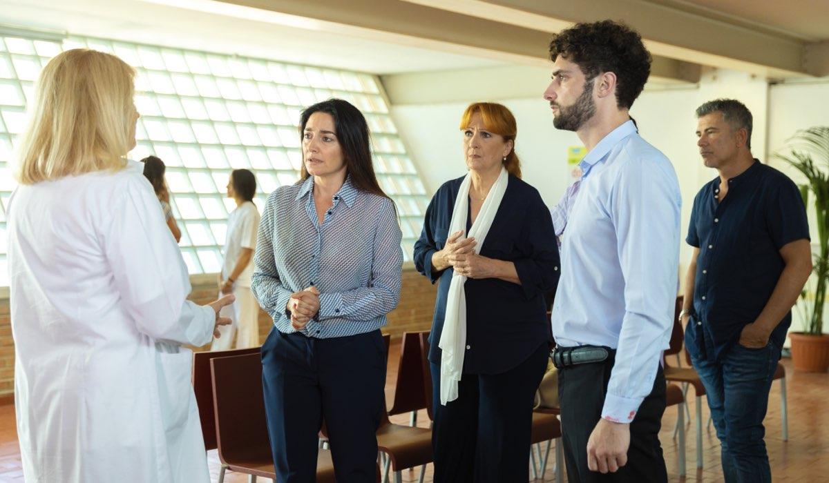Marina Giulia Cavalli, Sara Ricci, Marina Tagliaferri, Luca Turco e Peppe Zarbo In Un Posto Al Sole. Credits: Rai