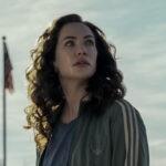 """Katie Siegel in una scena di """"Midnight Mass"""". Credits: Eike Schroter/Netflix."""