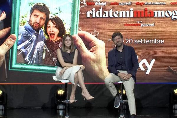 Ridatemi Mia Moglie, intervista ai protagonisti Fabio De Luigi (a sinistra) e Anita Caprioli. Credits: cattura schermo/Sky.