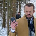 Erik Vogt si accorge di essere pedinato In Tempesta D'Amore Credits: Mediaset