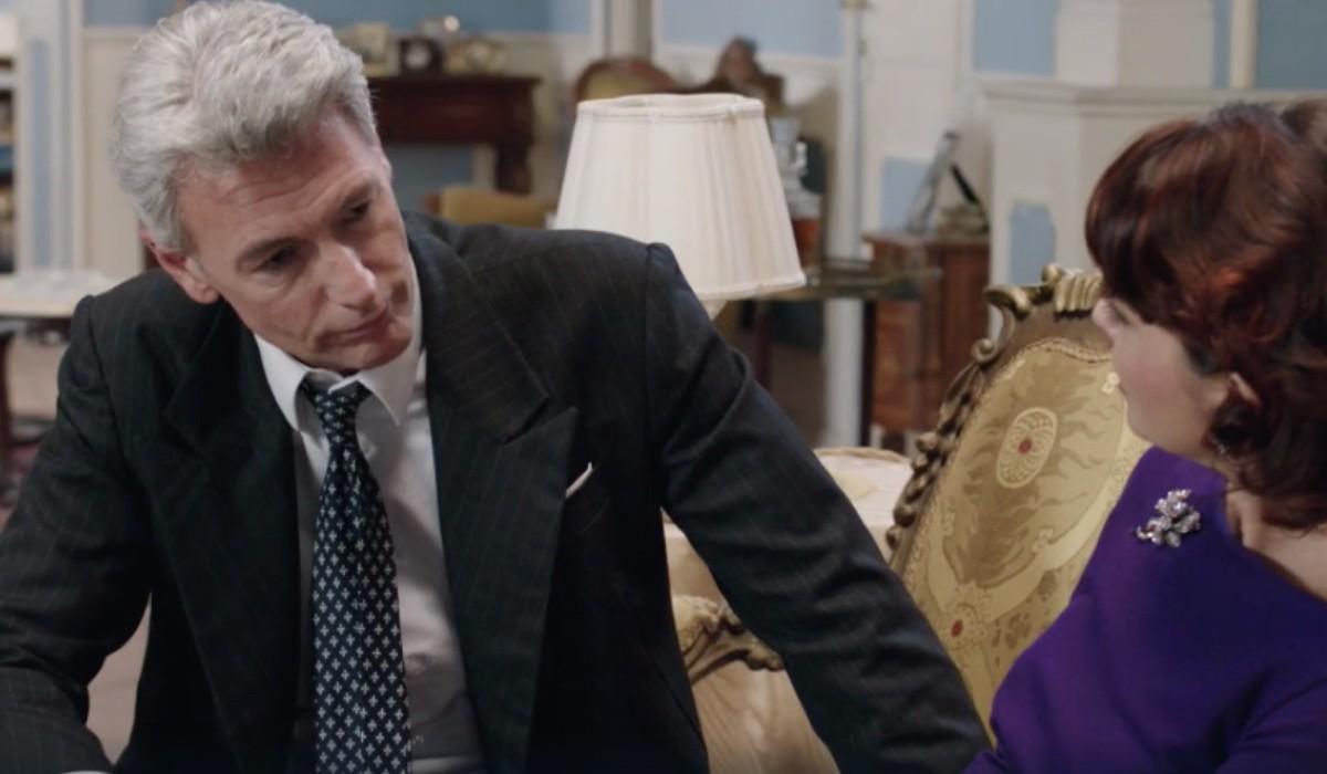 Roberto Farnesi (Umberto Guarnieri) e Vanessa Gravina (Adelaide Di Sant'Erasmo) in una scena della puntata 16 de