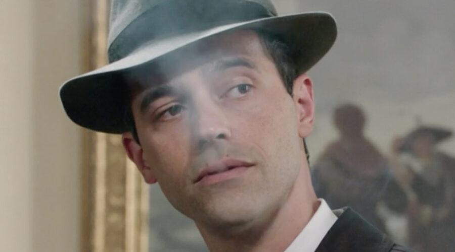 Massimo Riva in una scena della puntata 19 de
