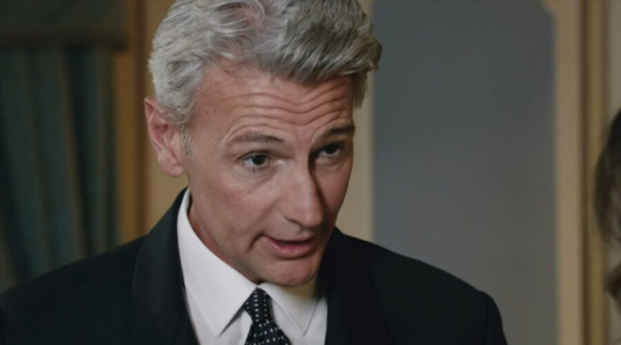 Roberto Farnesi (Umberto Guarnieri) in una scena della puntata 28 de
