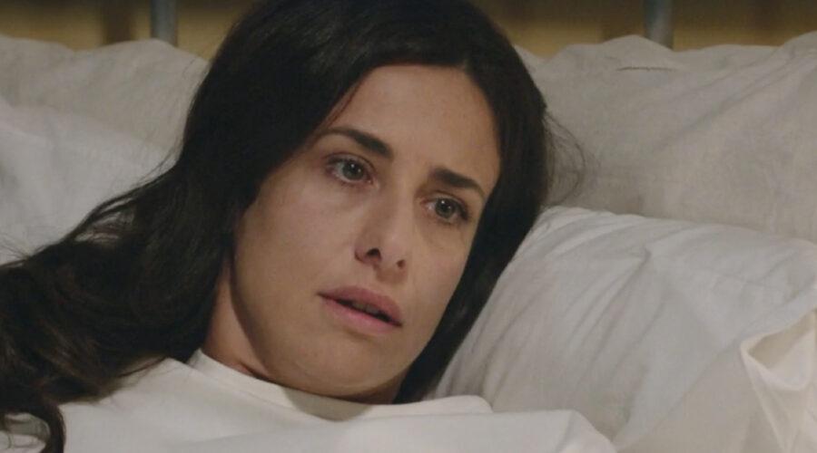 Lara Komar (Gloria Moreau) in una scena della puntata 29 de